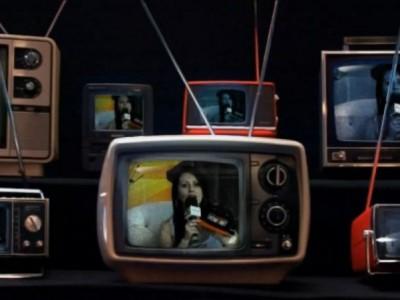 """TV ! Pgm Show&Art """"Entrevista & Musical"""" Apresentação Dani Pessôa"""